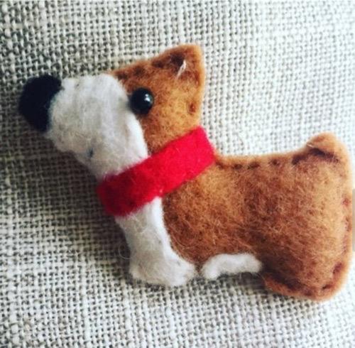 Handmade felt Corgi pin